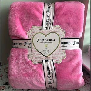 🆕Juicy Couture Blanket